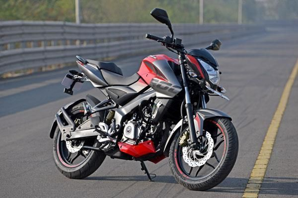 Top 5 Bikes Under Rs 1 Lakh In India Cool Bikes Bike Lovers Pulsar