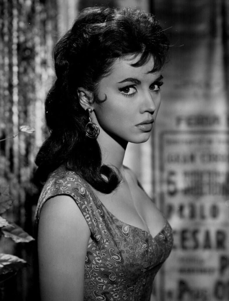 Austrian Classic Beauty: 50 Glamorous Photos of Jocelyn