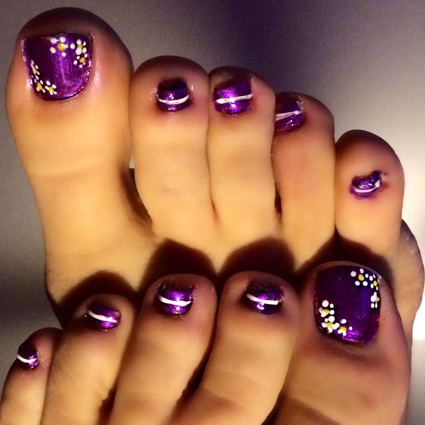 Easy Toe Nail Art Designs: Diy Pedicure. Flower Toenails. Simple Nail Art Done With A