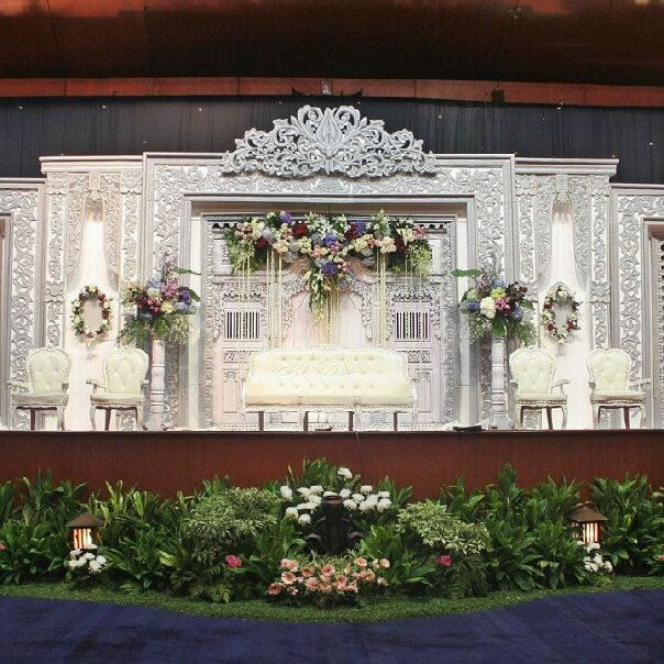 Wedding decoration malang wedding and wedding wedding decoration junglespirit Images