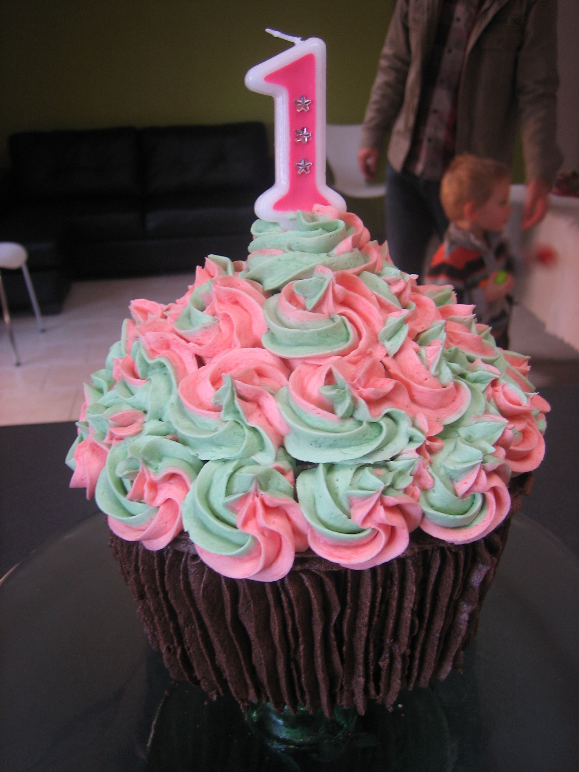 This Is The Giant Cupcake I Made For My Daughters 1st Birthday