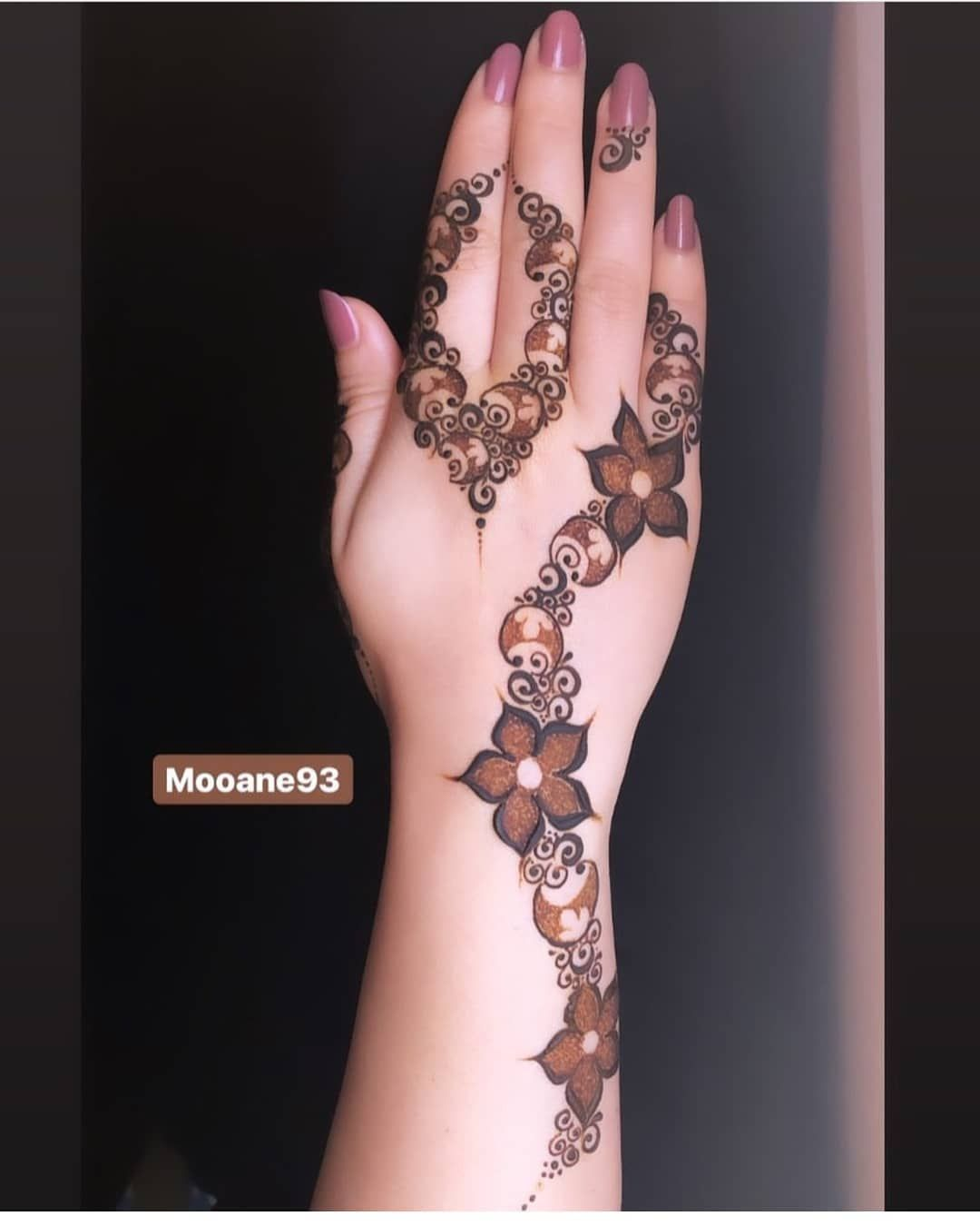 نقشات حنا جميله بوتيك الحوريه موديلات مرره تجنن واسعارها خفيفة ع الجيب Bout Mehndi Designs For Hands Mehndi Designs For Fingers Floral Henna Designs