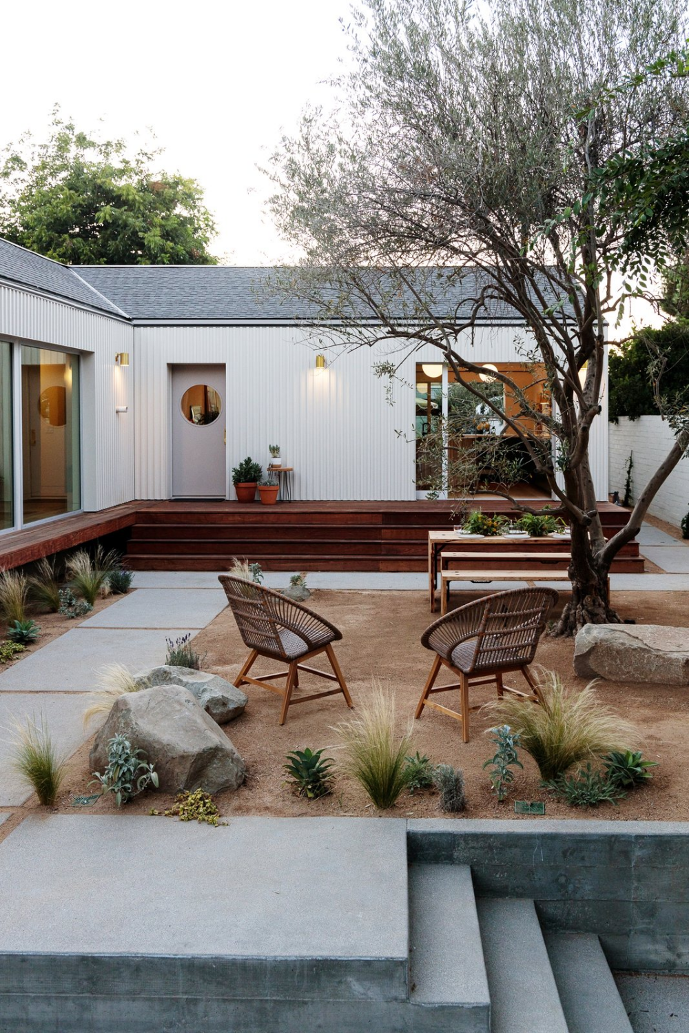 34 Samples Of Modern Houses Most Popular Exterior Design: Photo 19 Of 21 In My House: An Architect Couple's Playful Courtyard…