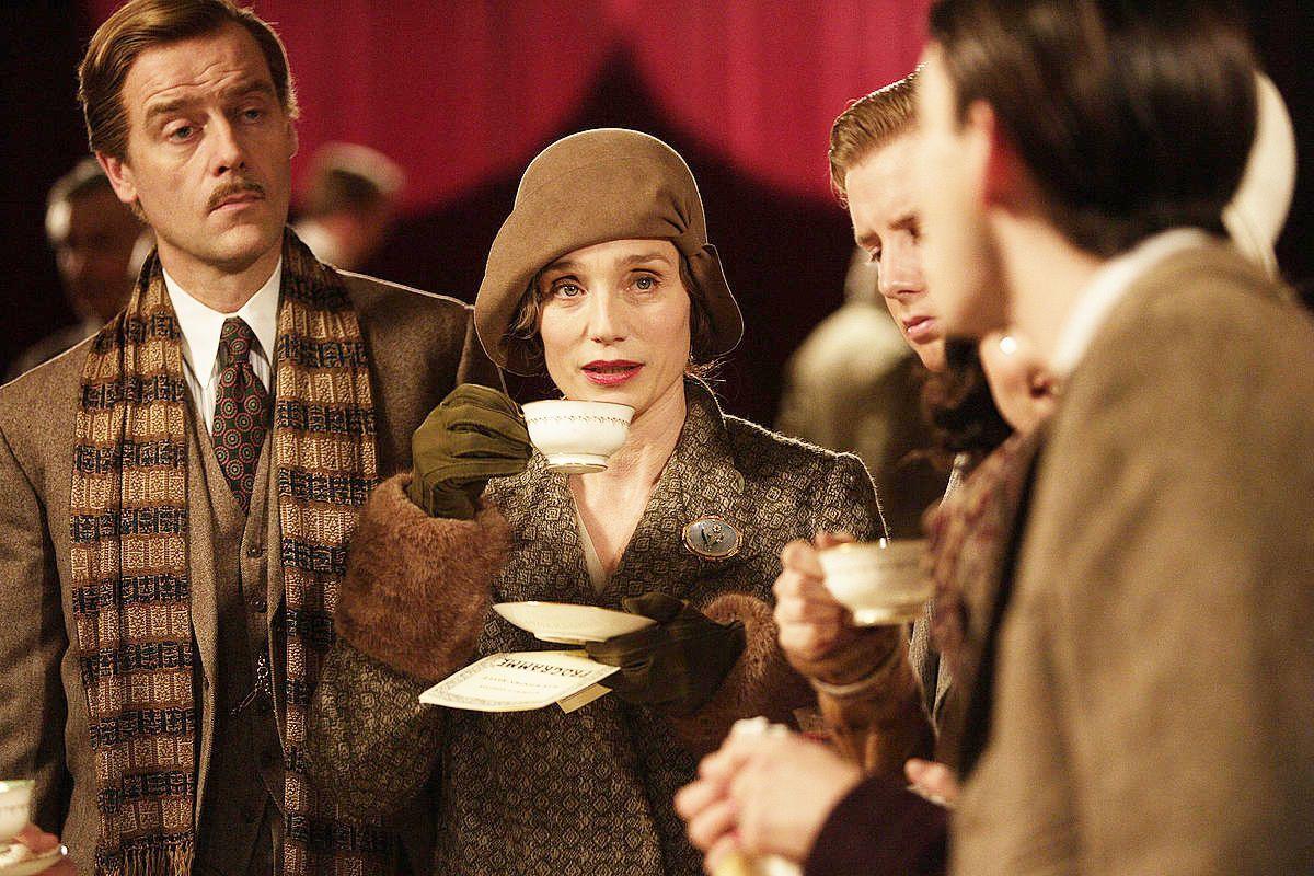 Gosford Park Cast Google Zoeken Fashion Style In Movies Tv