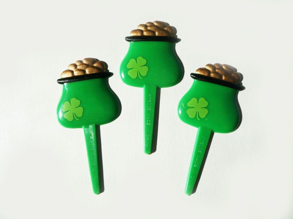 24 Count Hockey Puck Cupcake Rings