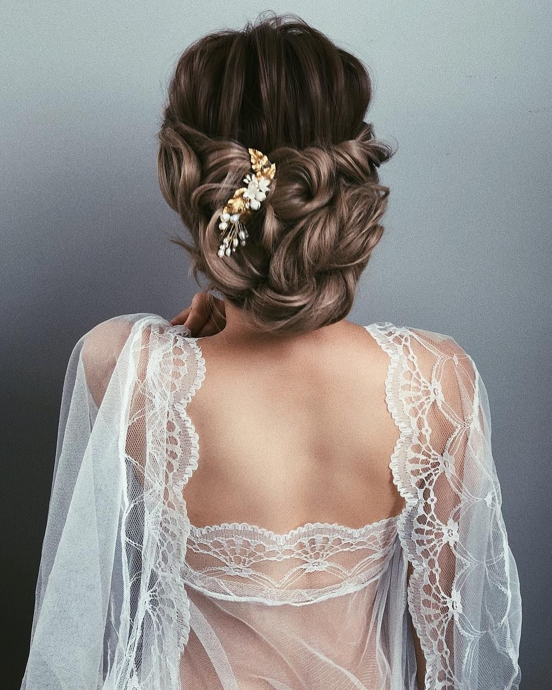 87 Fabulous Wedding Hairstyles For Every Wedding Dress Neckline Wedding Dress Necklines Wedding Hairstyles Bride Hair Down