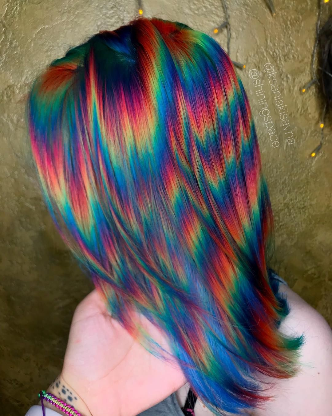 25 Times When People Had Tacky Ideas But Ended Unexpectedly Well Swish Today Holographic Hair Hair Styles Rainbow Hair Color