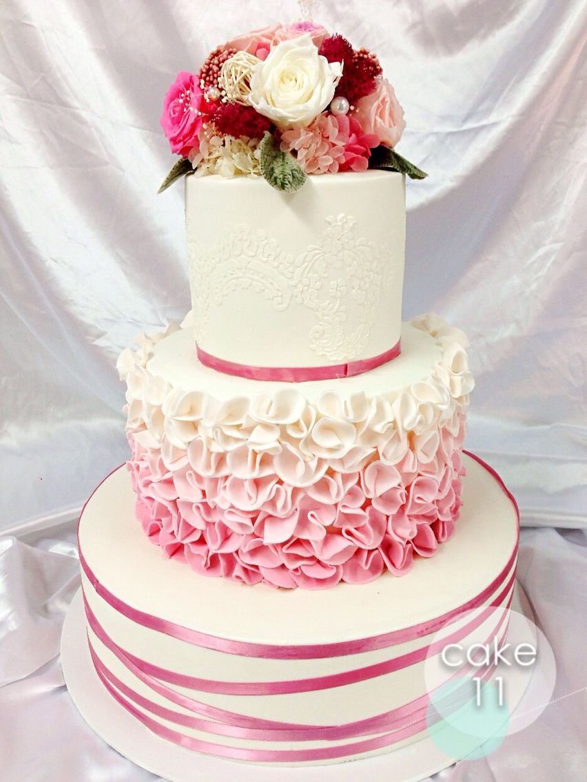 Wedding cake with long-life fresh flower cake topper (cake topper ...