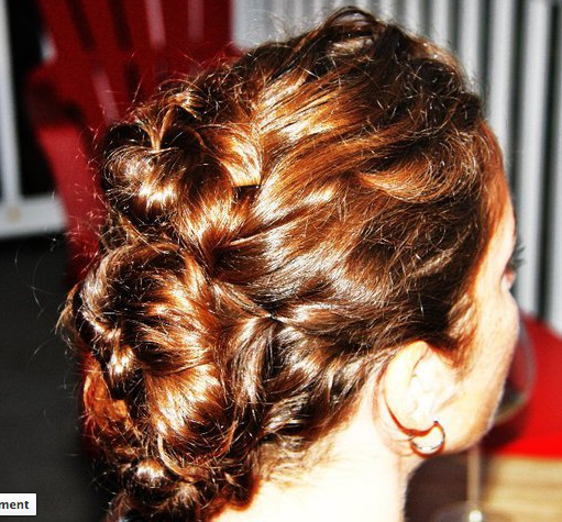 This was done in 15 mins.  No spray - just bobby pins.
