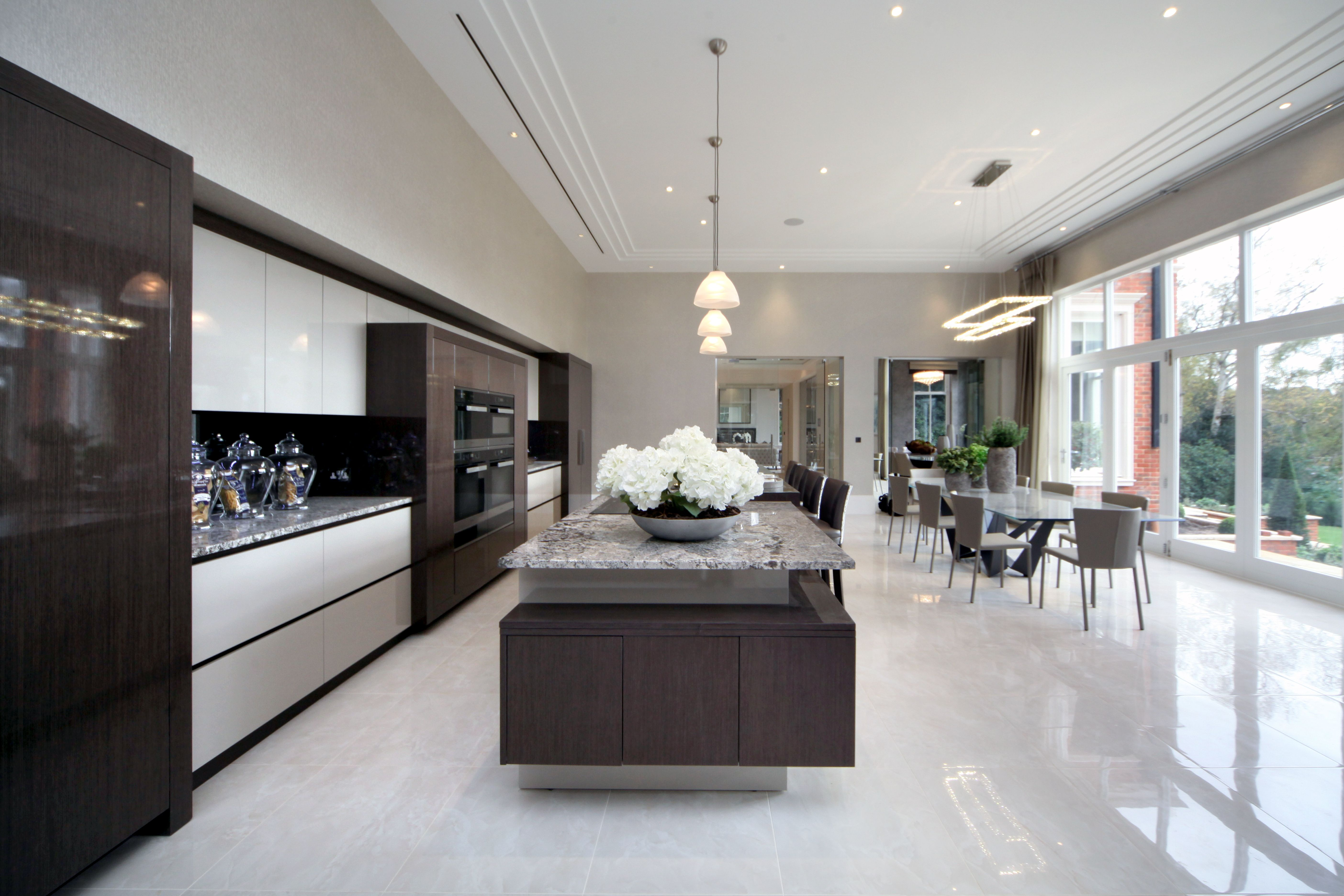 EXTREME Linear High Gloss Kitchen Design In Private Mansion