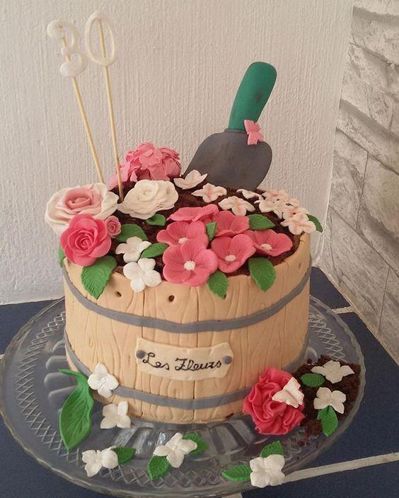 Blumentopf Fondant Blume Garten Schmetterling Motivtorte Rose 30 Birthdaycake Creative Cakes Fondant Flowers Eat Cake