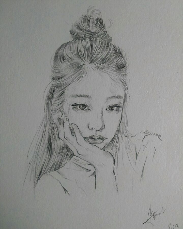 "Anya 安悠 🍁 on Instagram: ""Quick rough sketch of Jennie 🙆 - - #jenniefanart #blackpinkfanart #kpopfanart #kpopart #koreanfanarts #kfanart #sketch #blackpinkjennie…"""