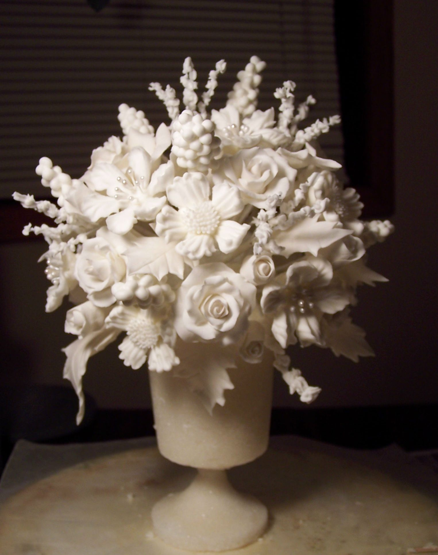 wedding cake toppers icing flowers wedding cake topper sugar vase with sugar paste and royal 26498