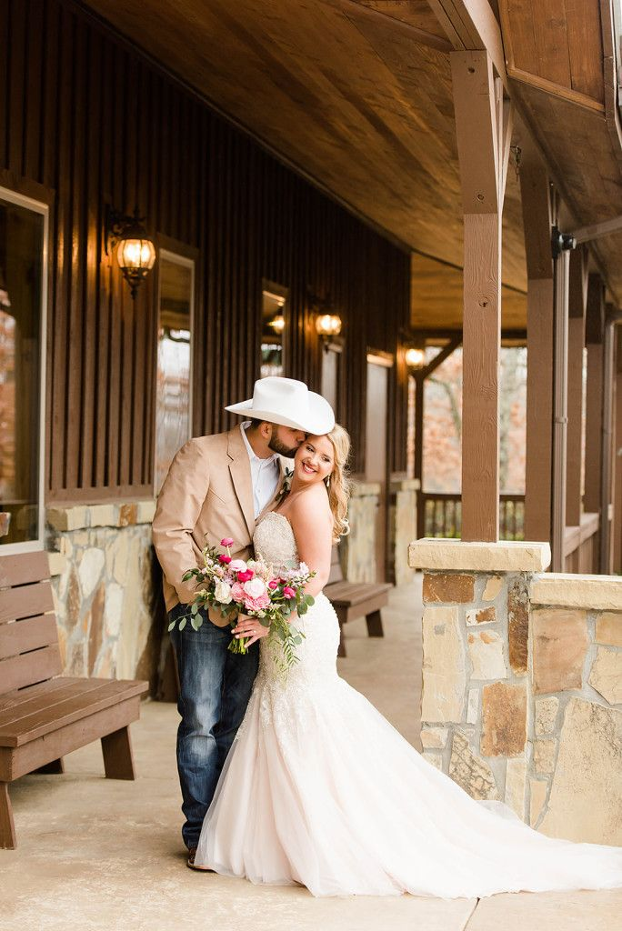 Tulsa Wedding Venue Springs Venue Tulsa Wedding Venues Country Bride Country Wedding Photos