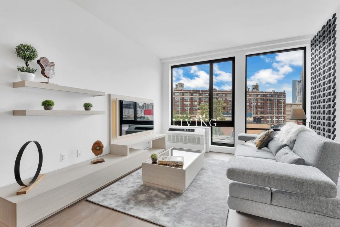 1 Bedroom 1 Bathroom Apartment For Sale In Long Island City With Images Long Island City Apartments For Sale Luxury Apartments