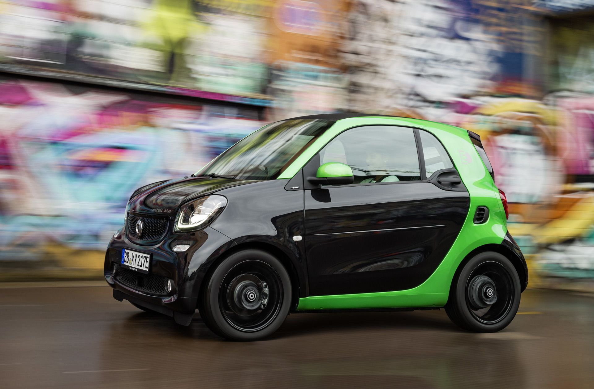 Get The Latest Reviews Of 2017 Smart Fortwo Find Prices Ing Advice Pictures Expert Ratings Safety Features Specs And Price Quotes