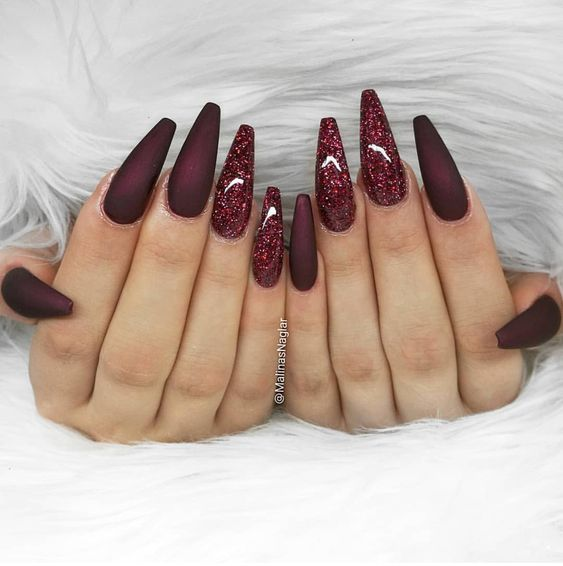 No te pierdas los diseños de uñas profundas y brillantes y las artes de uñas – diseño de uñas y arte de uñas