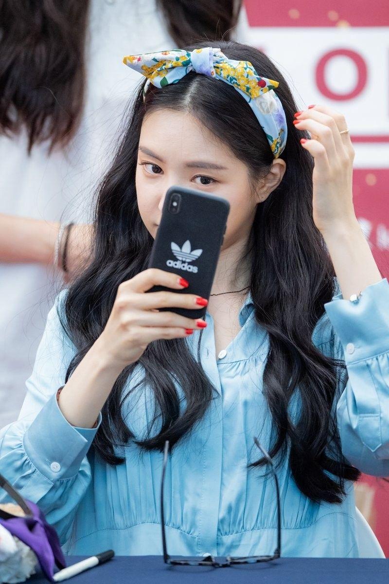 Son Na Eun Apink | 청소년 패션, 한국 여자 패션, 아름다운 여성