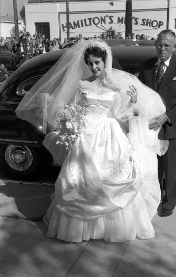 Elizabeth Taylor wedding to Nicky Hilton, 1950   Weddings ...