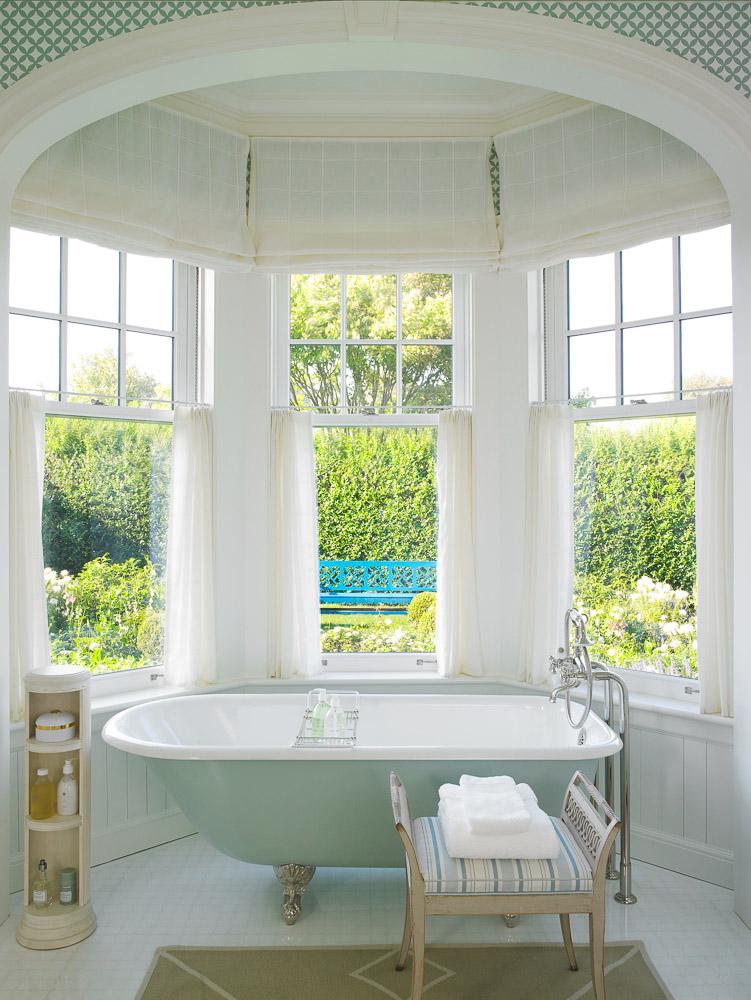 A Southampton, lightfilled bathroom. Anthony Baratta