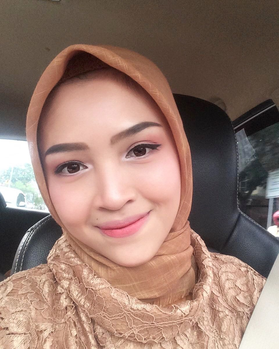 Makeup Kondangan Simple Riasan Wajah Produk Kecantikan Make Up
