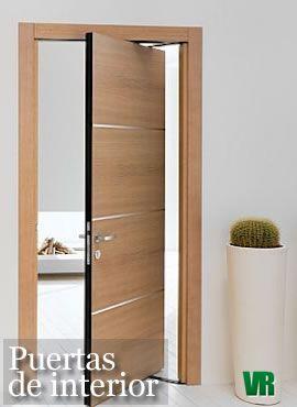 Ergon moderna puerta que se abre en dos sentidos doors for Diseno de puertas de madera