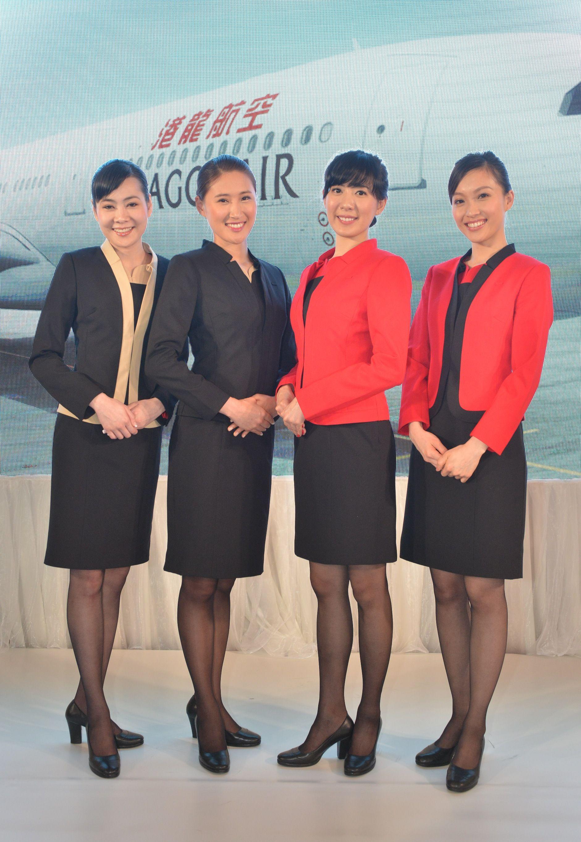 33debe40151363 Dragonair, Hong Kong 香港ドラゴン航空, 出席, 客室乗務員, 行李, 美脚