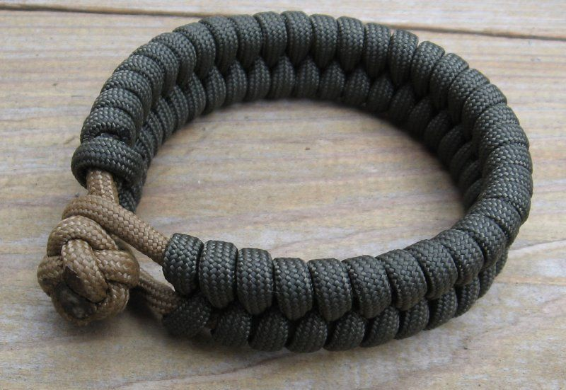 In and out knot and loop bracelet bracelets paracord for Things made out of paracord
