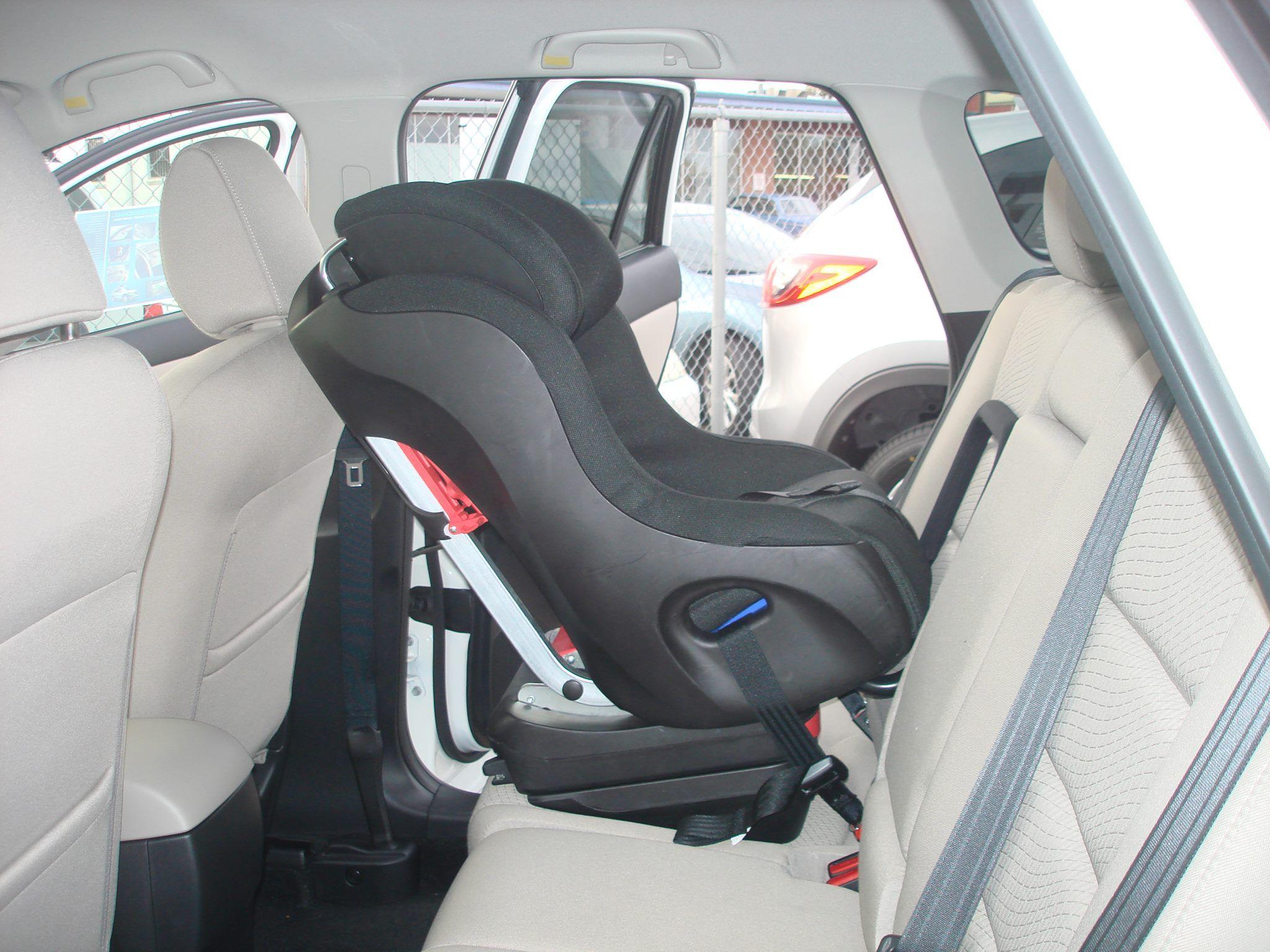 Clek Foonf Rear Facing In A Mazda Cx 5