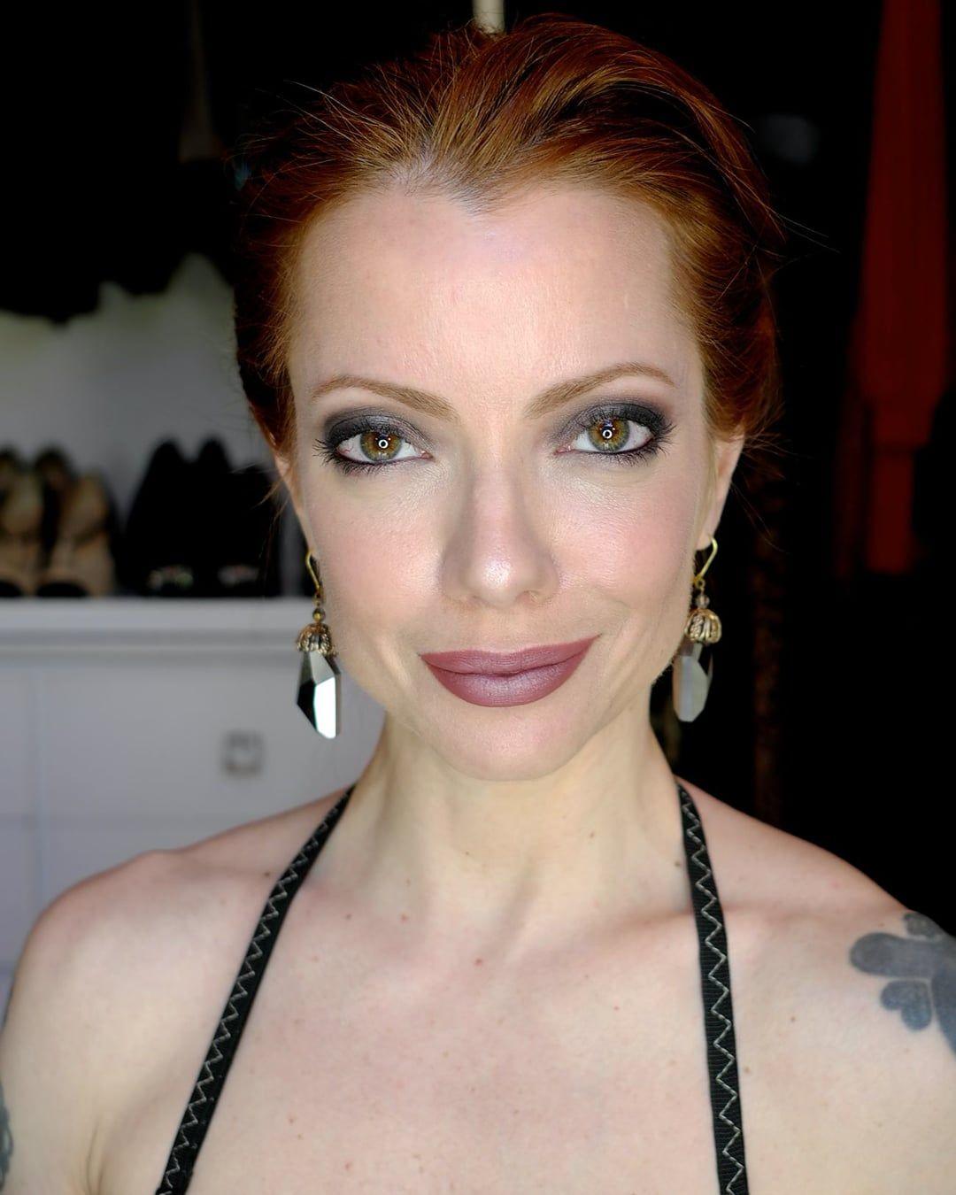 "Julia Petit passo a passo ""Da Riqueza"" Maquiagem"