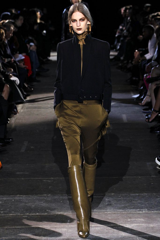 Givenchy Fall 2012 Ready-to-Wear - Collection - Gallery - Look 34 - Style.com