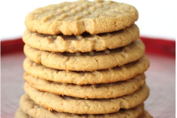 4-Ingredient Peanut Butter Cookie Recipe!