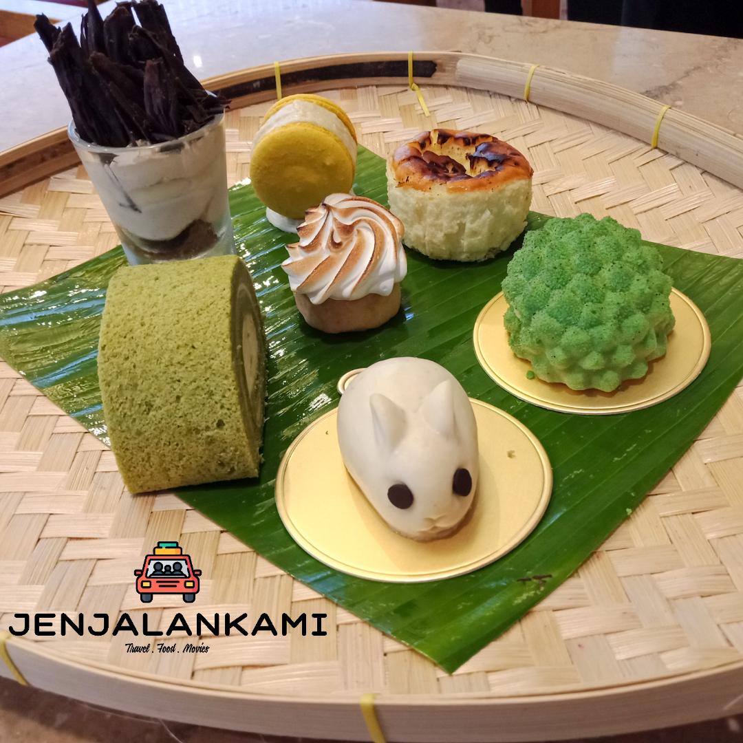 Food Review Durian Dessert Platter At Dondang Sayang Coffee House Corus Hotel Kuala Lumpur Jenjalankami Dessert Platter Perfect Desserts Food