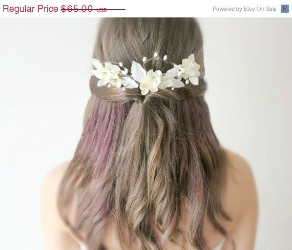 Sale Ivory Flowers Hair Comb Woodland 'Le Eau' wedding by deLoop, $55.25