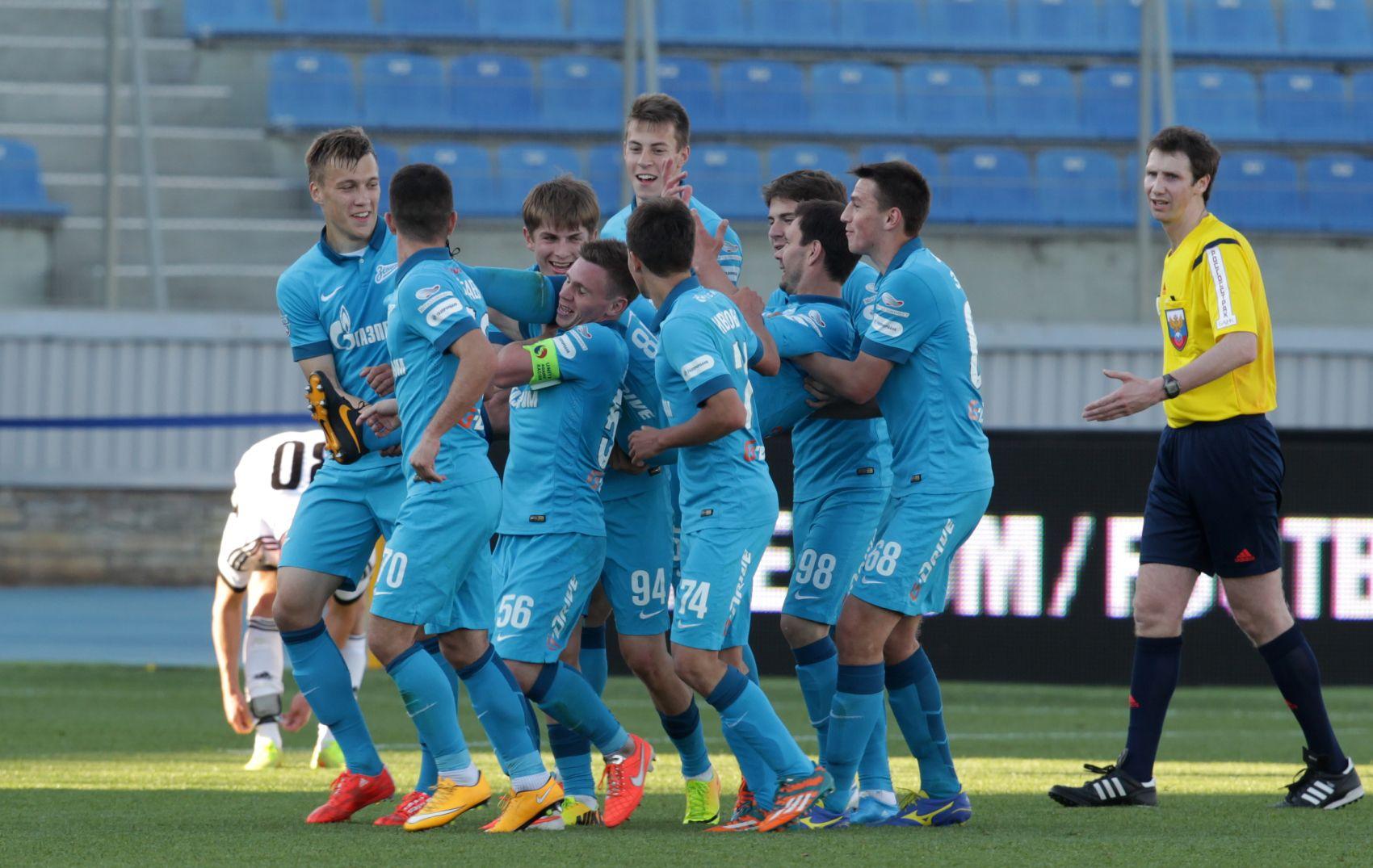 Zenit Izhevsk Vs Neftekhimik Live Football Stream Russian Cup 07 Aug Adsbygoogle Window Adsbygoo Football Streaming Live Football Streaming Football