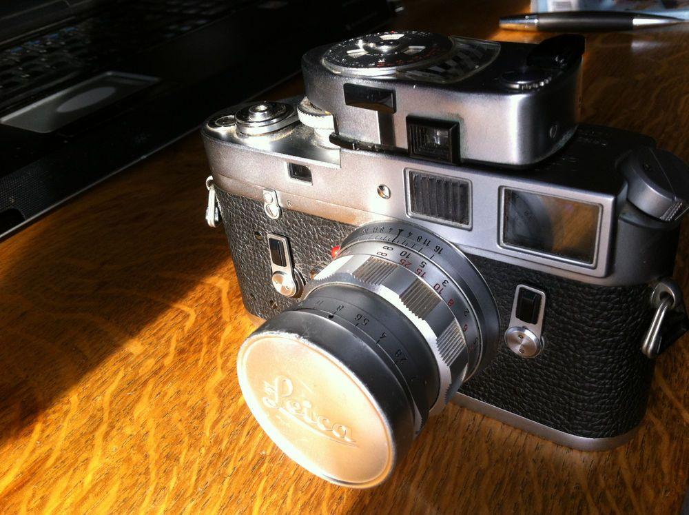 Leica M4 chrome avec objectif 1:2 /50 Summicron, cellule Leica meter amovible