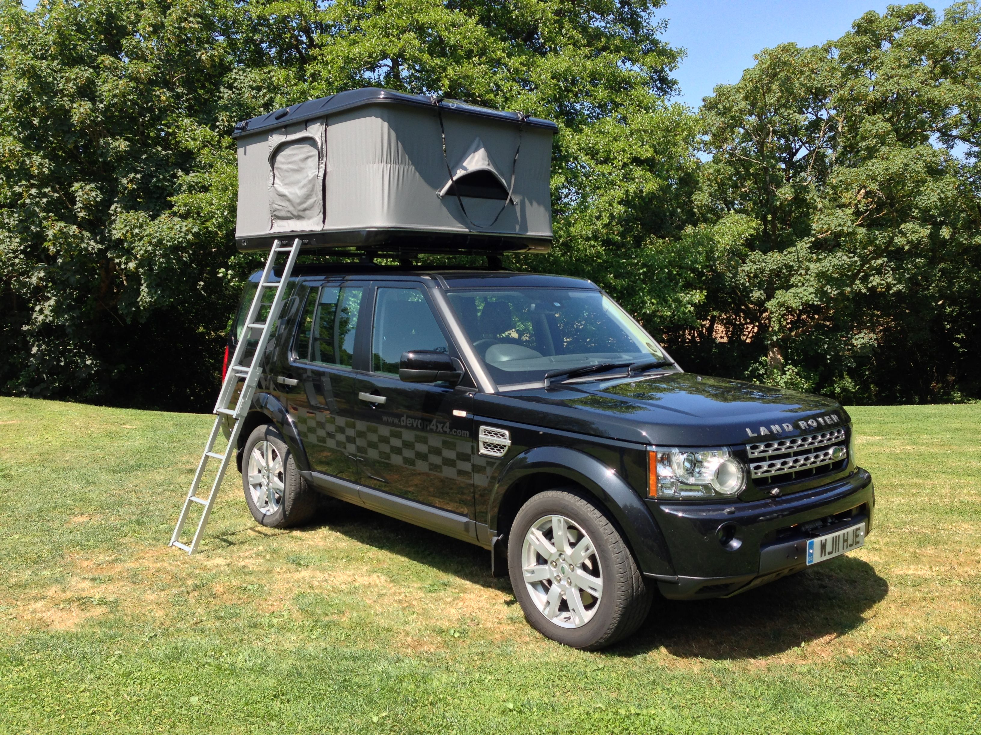 This is the Grand Raid XXL Evolution Tent on our Devon 4x4 Discovery 4. If & This is the Grand Raid XXL Evolution Tent on our Devon 4x4 ...