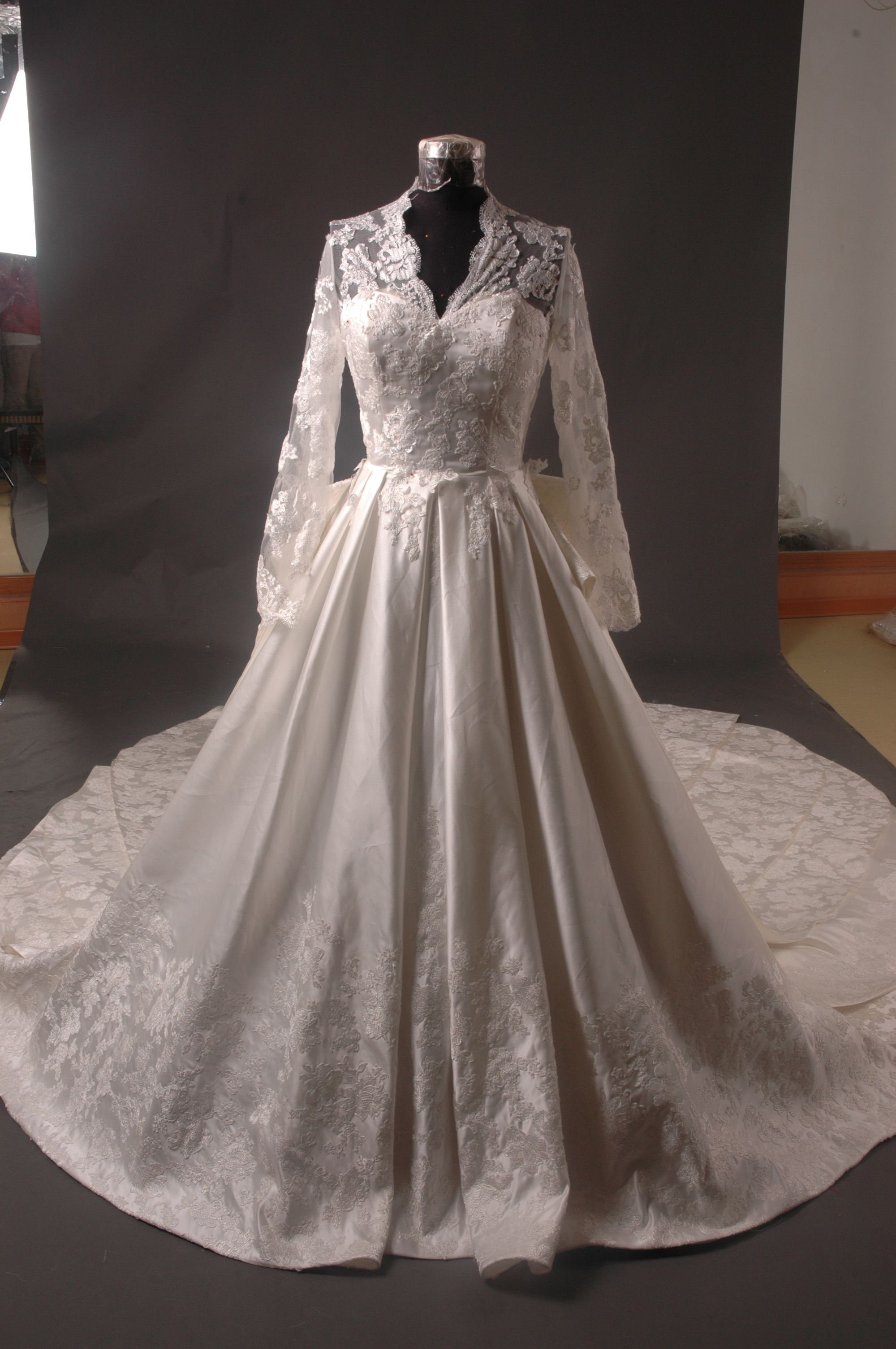 Wedding gown designers a new list for wedding gown