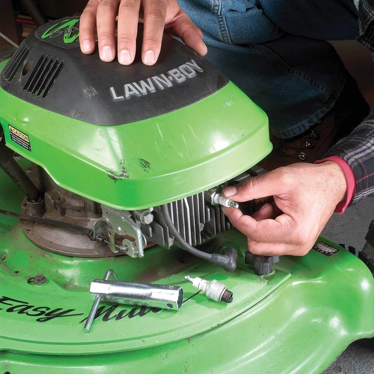 11 Essentials for Your Spring Maintenance Checklist