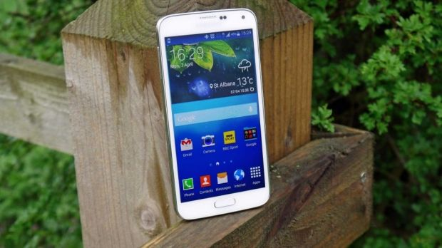 Samsung Galaxy S5 Snowy Static Screen Issue & Other Related