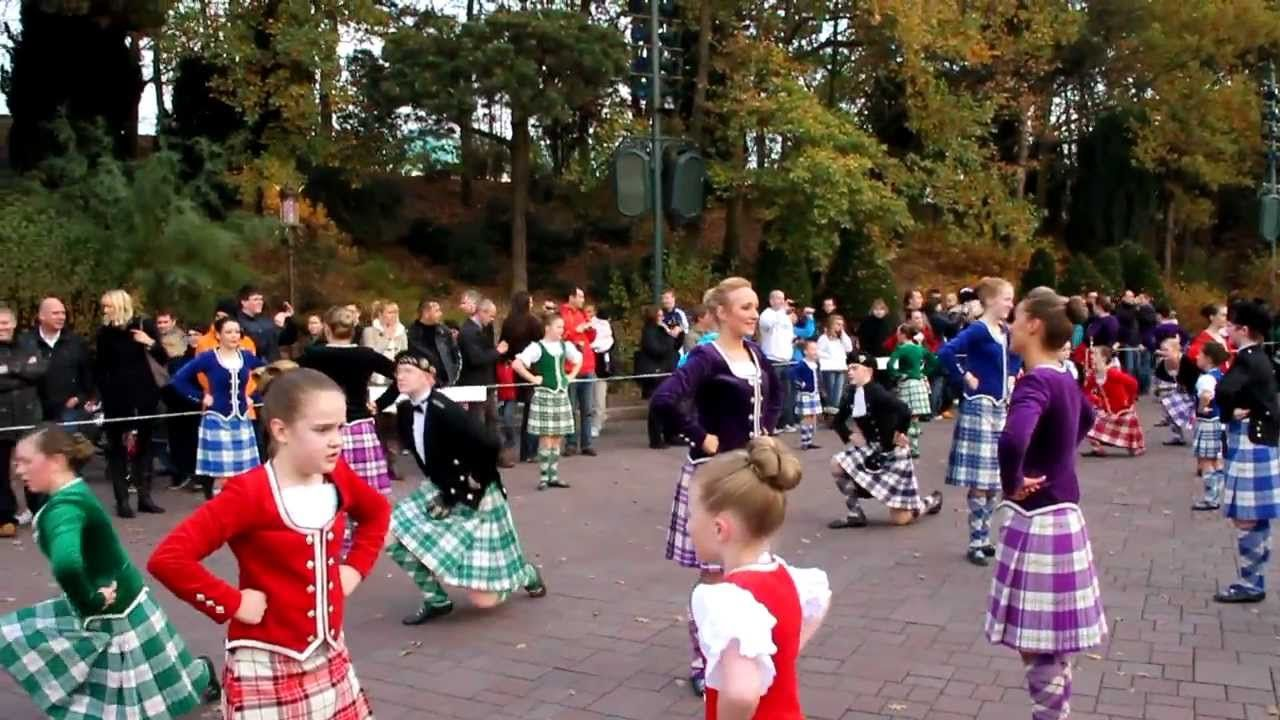 The International Gathering of Scottish Highland Dancers (Disneyland Paris 13-11-11)