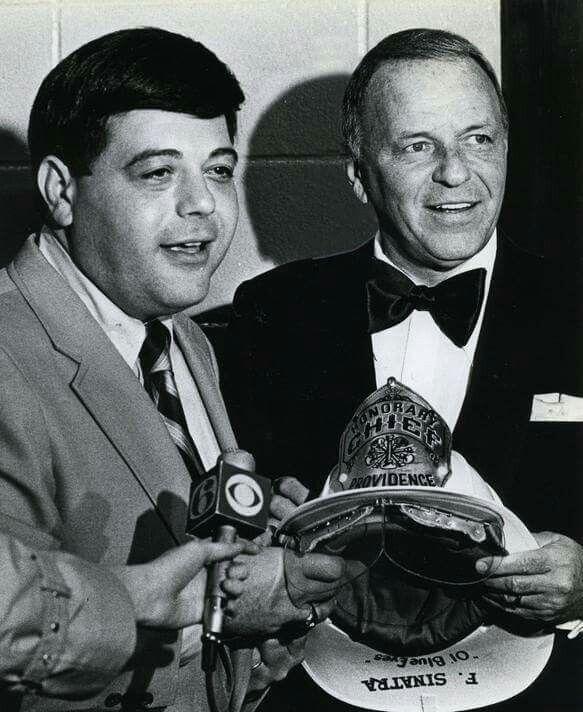 Mayor Cianci Presents Frank Sinatra With A Prov