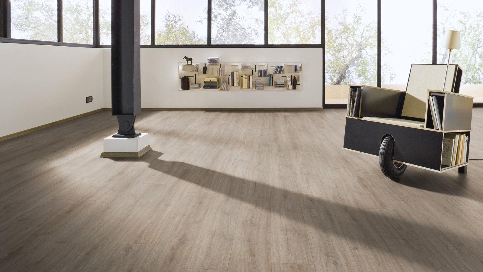 Sol Stratifie Chanfreine Ld75 De Chez Meister Decor Chene Arcadia 6412 Idee De Decoration Decoration Interieure Et Decoration Maison
