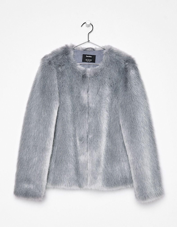 magasin d'usine 98bd1 ce1dd Manteau court en fausse fourrure | Fantasy Wardrobe | Winter ...