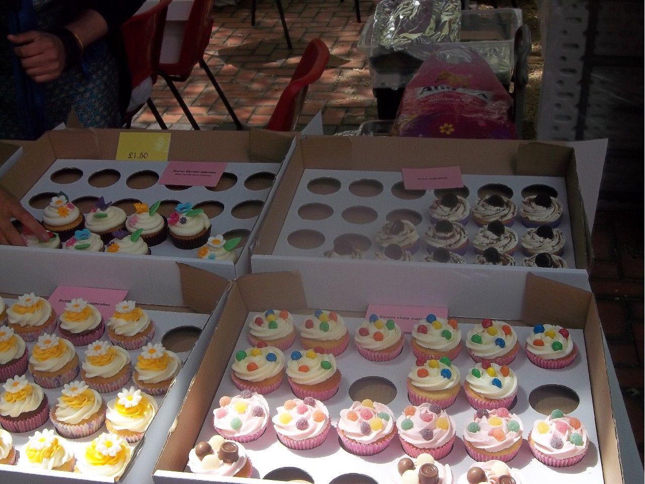 Christmas Cake Stall Ideas : cake stall presentation Kids Pinterest Cake stall ...