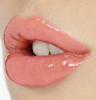 Mabel Lip Makeup Inspiration Glossy Lips