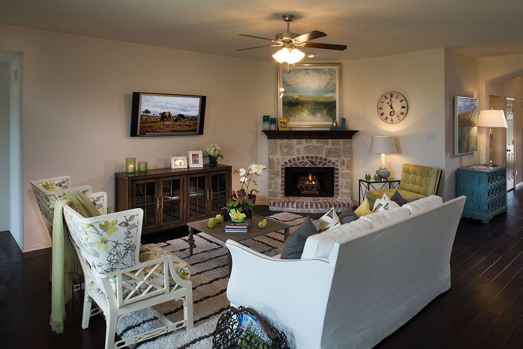 Horizon Homes   Paloma Creek   Living Room   Little Elm ... on New Horizons Living Room  id=11720
