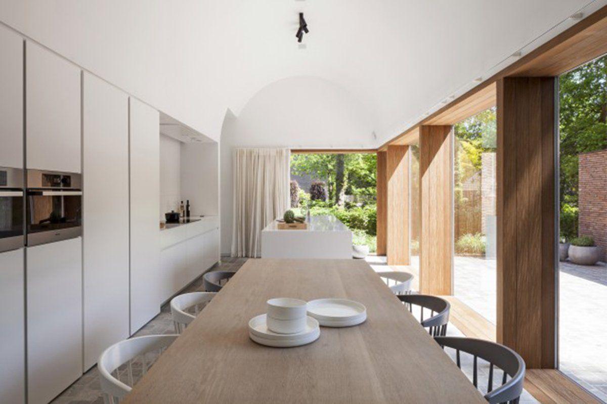 Een minimalistische woning midden in de natuur waar je heerlijk