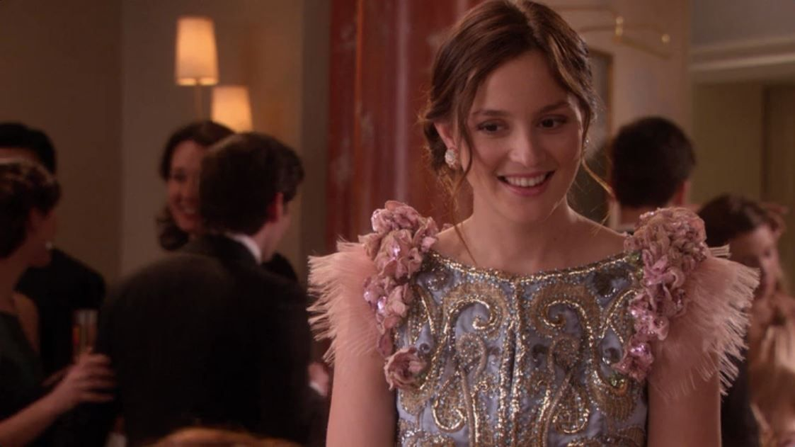 Shattered Bass S4e21 At Her Engagement Party The Best Of Blair