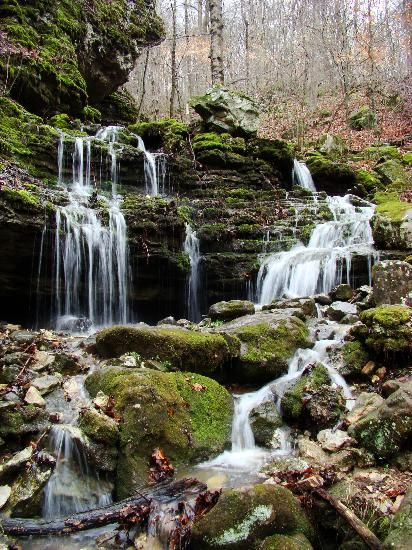 Chutes Victoria: Hiking The Ozarks' Lost Valley